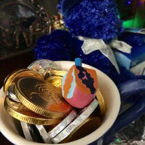 Hanukkah coins gelt dreidel